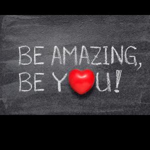 tekst-op-een-schrijfbord-Be-amazing-Be-you