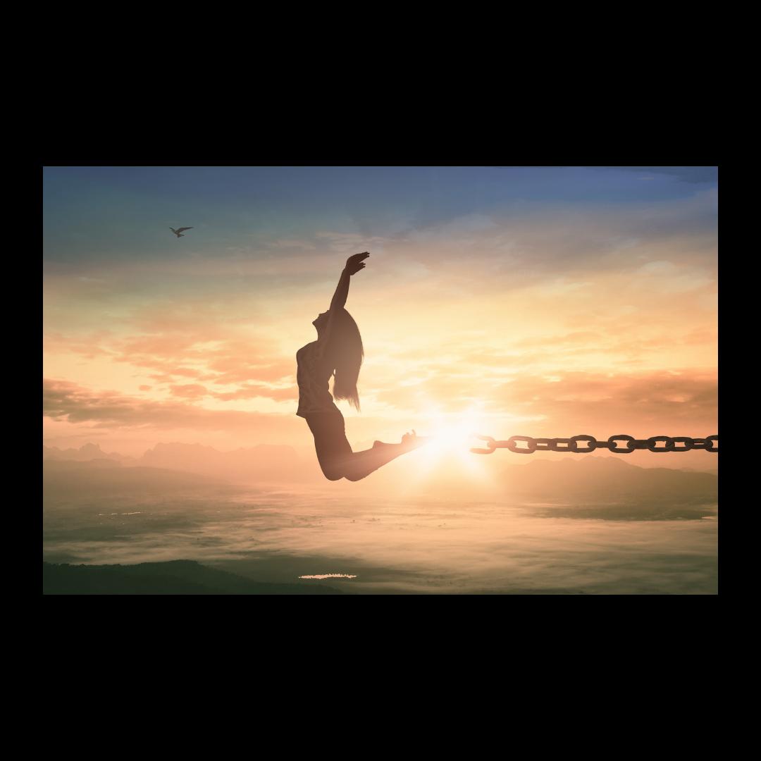 vrijheid sprong in de lucht met mooie zonsondergang